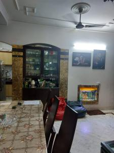 Gallery Cover Image of 1069 Sq.ft 3 BHK Independent Floor for buy in Sector 8 B 81, Sector 8 Dwarka for 10000000