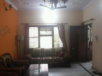 Gallery Cover Image of 1000 Sq.ft 2 BHK Apartment for rent in Sector 82 for 17500
