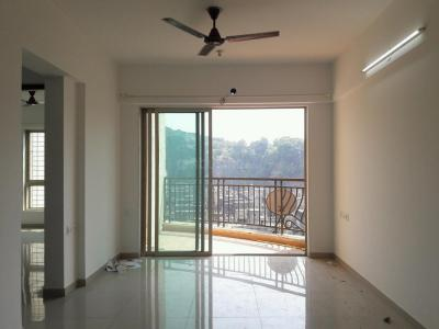 Gallery Cover Image of 970 Sq.ft 2 BHK Apartment for buy in Nahar Laurel and Lilac, Powai for 17500000