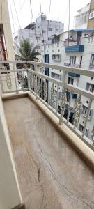 बीटीएम लेआउट  में 8000  किराया  के लिए 1200 Sq.ft 1 RK अपार्टमेंट के गैलरी कवर  की तस्वीर