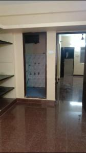 Gallery Cover Image of 500 Sq.ft 1 BHK Apartment for rent in Paras Apartments, Adyar for 14000