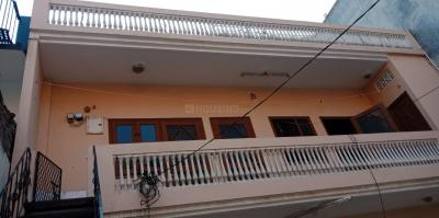 Gallery Cover Image of 720 Sq.ft 1 RK Independent House for rent in Sector 49 for 6500