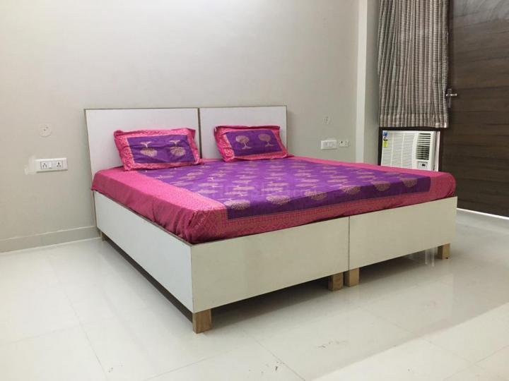 Bedroom Image of Jain Girls PG in Sector 57