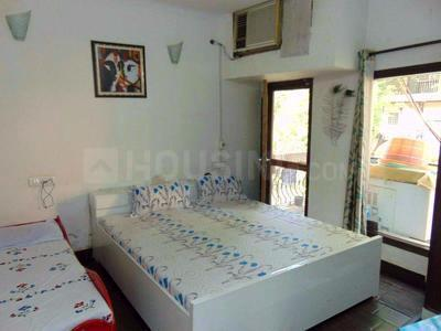 Gallery Cover Image of 2400 Sq.ft 3 BHK Independent Floor for rent in Jasola Vihar for 45000