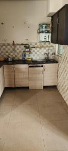 Gallery Cover Image of 1070 Sq.ft 2 BHK Apartment for rent in  Gaur City 4th Avenue, Noida Extension for 13000