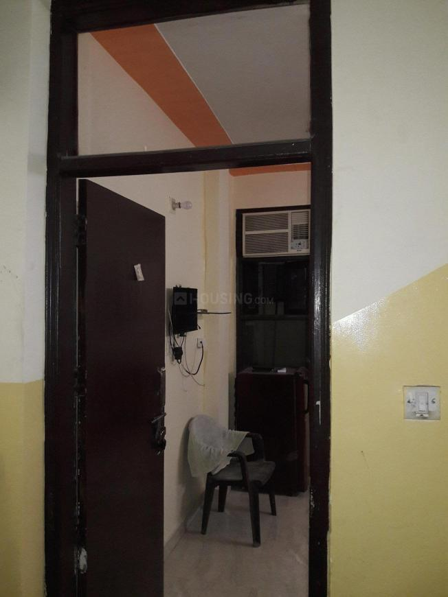 Main Entrance Image of 250 Sq.ft 1 RK Apartment for rent in DLF Phase 3 for 9500