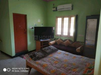 Gallery Cover Image of 1800 Sq.ft 3 BHK Independent House for rent in Kolathur for 22000