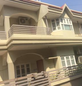 Gallery Cover Image of 2700 Sq.ft 4 BHK Independent House for buy in Bodakdev for 26500000