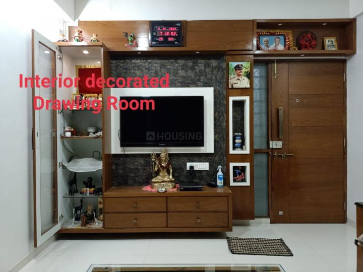 Hall Image of 650 Sq.ft 2 BHK Apartment for buy in Nirnay Nagar for 8500000
