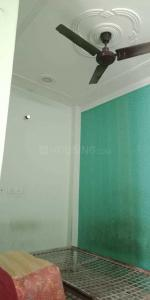 Gallery Cover Image of 640 Sq.ft 2 BHK Independent Floor for rent in Govindpuri for 11000