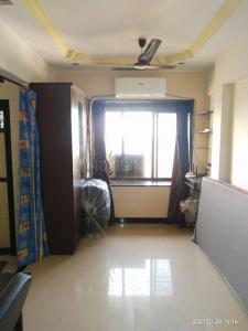 Gallery Cover Image of 350 Sq.ft 1 RK Apartment for rent in Vaibhav CHS, Borivali West for 13000