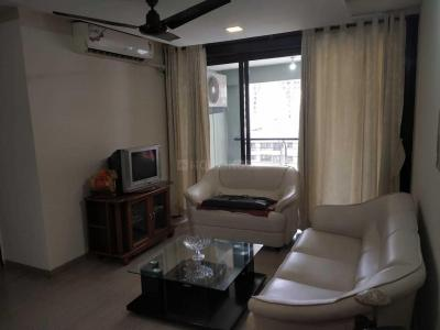 Gallery Cover Image of 1260 Sq.ft 2 BHK Apartment for rent in Kandivali West for 44000
