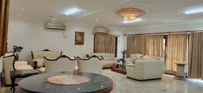 Gallery Cover Image of 40000 Sq.ft 4 BHK Villa for rent in Sainik Farm for 400000