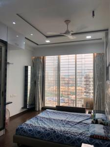 Gallery Cover Image of 1018 Sq.ft 2 BHK Apartment for buy in Borivali West for 27000000