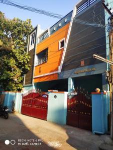Gallery Cover Image of 1500 Sq.ft 1 BHK Apartment for rent in Tambaram Sanatoruim for 10000