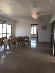 Gallery Cover Image of 1295 Sq.ft 3 BHK Apartment for rent in Bandra West for 350000