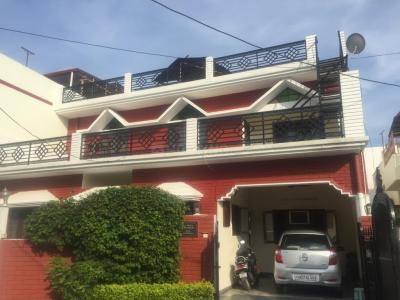 Gallery Cover Image of 3500 Sq.ft 4 BHK Independent House for buy in Vasant Vihar Phase 1 for 15000000