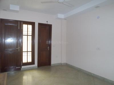 Gallery Cover Image of 800 Sq.ft 2 BHK Apartment for rent in Ramesh Nagar for 13499