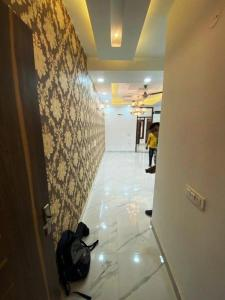 Gallery Cover Image of 750 Sq.ft 1 BHK Independent Floor for buy in Krishna Avenue, Sector 7 for 2500000