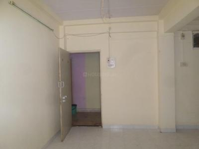 Gallery Cover Image of 250 Sq.ft 1 RK Apartment for rent in Malad West for 8000