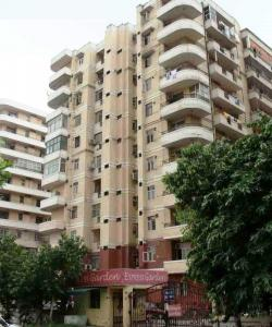 Gallery Cover Image of 1075 Sq.ft 2 BHK Apartment for rent in Express Garden, Vaibhav Khand for 13000