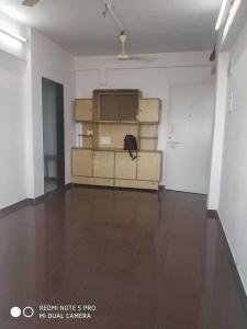 Gallery Cover Image of 618 Sq.ft 2 BHK Apartment for rent in Bandhutva CHS, Santacruz East for 45000