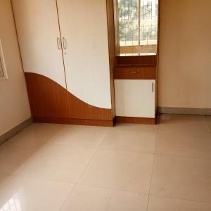 Gallery Cover Image of 1000 Sq.ft 2 BHK Apartment for rent in 1/2, Ulsoor for 22000