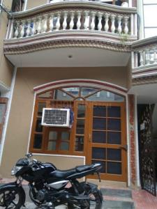 Gallery Cover Image of 2000 Sq.ft 6 BHK Independent House for buy in Garhi Harsaru for 7000000