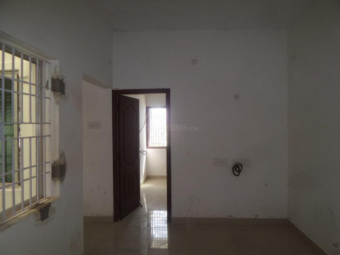 Living Room Image of 795 Sq.ft 2 BHK Apartment for buy in Ambattur for 3800000