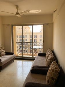 Gallery Cover Image of 1150 Sq.ft 3 BHK Apartment for rent in Hiranandani Estate for 40000