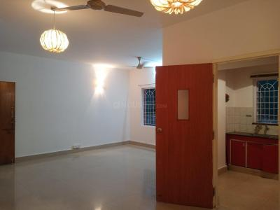 Gallery Cover Image of 1000 Sq.ft 1 BHK Apartment for rent in Paragon Residency, Richmond Town for 23000