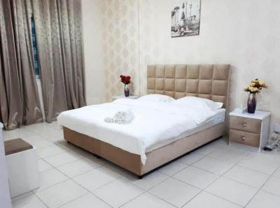Gallery Cover Image of 500 Sq.ft 1 BHK Apartment for rent in Da Villa The Address 56, Sector 45 for 15000