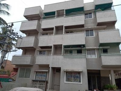 Gallery Cover Image of 600 Sq.ft 1 BHK Apartment for buy in Vijaya Tarangini, Rajendra Nagar for 2200000