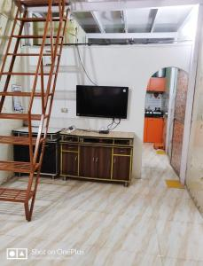 Gallery Cover Image of 620 Sq.ft 2 BHK Independent House for buy in Bhandup East for 5200000