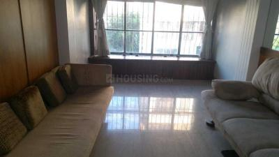 Gallery Cover Image of 1000 Sq.ft 2 BHK Apartment for rent in Santacruz West for 90000