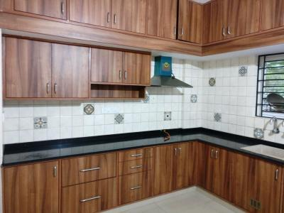 Gallery Cover Image of 1800 Sq.ft 3 BHK Apartment for rent in J P Nagar 8th Phase for 20000