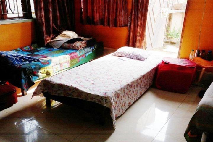 Bedroom Image of PG 5498560 Dhakuria in Jodhpur Park