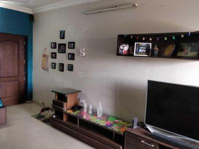 Gallery Cover Image of 1160 Sq.ft 2 BHK Apartment for rent in Raheja Heights, Malad East for 50000