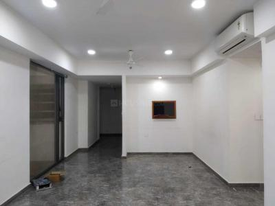 Gallery Cover Image of 1600 Sq.ft 3 BHK Apartment for rent in Wadala East for 68000