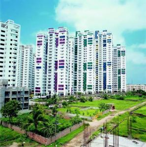 Gallery Cover Image of 1203 Sq.ft 2 BHK Apartment for buy in Hiland Park, Santoshpur for 7000000
