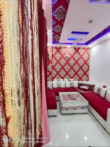 Gallery Cover Image of 900 Sq.ft 2 BHK Independent Floor for buy in Crossings Republik for 1800000