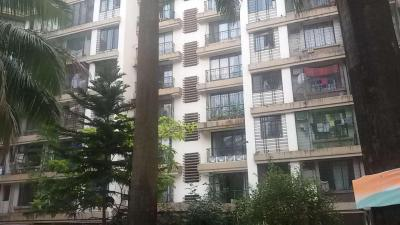 Gallery Cover Image of 710 Sq.ft 1 BHK Apartment for rent in Kandivali East for 30000
