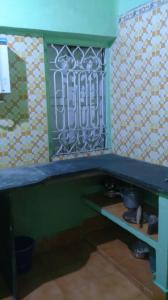 Gallery Cover Image of 860 Sq.ft 2 BHK Apartment for rent in Keshtopur for 8000
