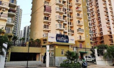 Gallery Cover Image of 1300 Sq.ft 3 BHK Apartment for buy in Noida Extension for 6499000