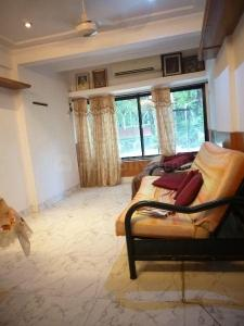 Gallery Cover Image of 600 Sq.ft 1 BHK Apartment for rent in Juhu for 55000
