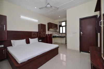 Bedroom Image of Oyo Life Grg1375 Nr Sikanderpur Metro in DLF Phase 3