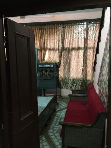 Gallery Cover Image of 615 Sq.ft 3 BHK Independent House for buy in Thatipur for 4100000