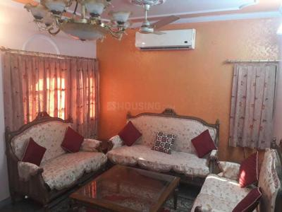 Gallery Cover Image of 1100 Sq.ft 2 BHK Apartment for rent in Sector 13 Dwarka for 27000