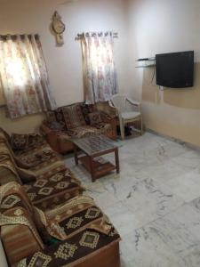Gallery Cover Image of 1205 Sq.ft 3 BHK Independent House for rent in Sector 2 for 23000