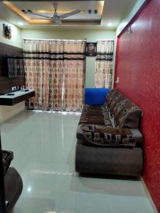 Gallery Cover Image of 1080 Sq.ft 2 BHK Apartment for buy in Laxmi Nivas, Narolgam for 3000000